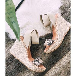 NWT. Snakeskin wedge sandal